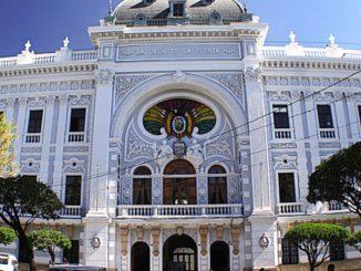 palacio justica constitución bolivia sucre