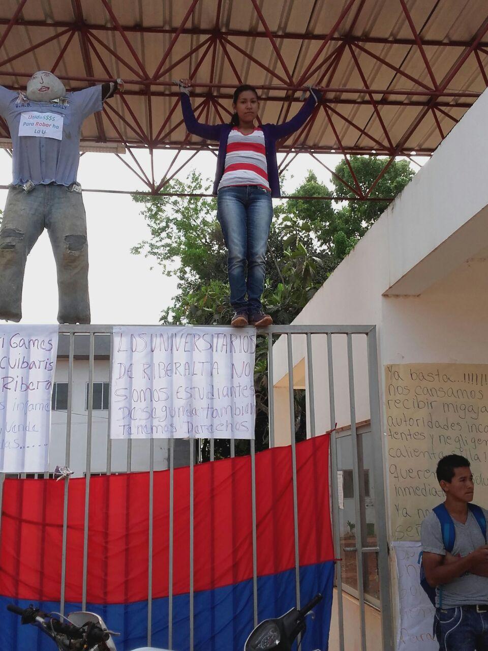UAB protesta